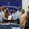 दिल्ली अध्यापक परिषद के प्रतिनिधि मंडल ने केन्द्रीय मानव संसाधन विकास मंत्री से मिला